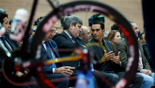 Alberto Contador, junto a Miguel Cardenal.