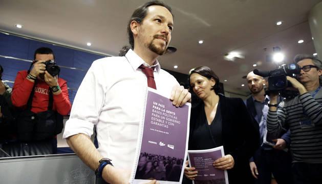 Podemos exige un referéndum en Cataluña para pactar con el PSOE