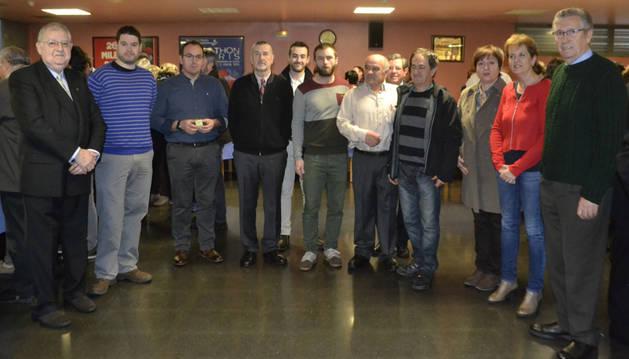 Un momento de la celebración, con donantes y autoridades municipales que les acompañaron.
