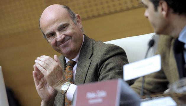 De Guindos alerta de que España puede volver a la situación de 2011