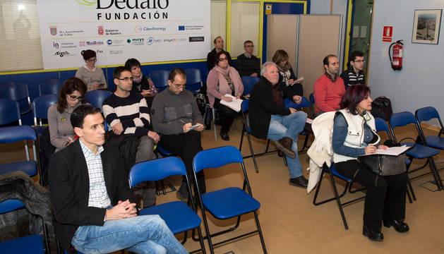 Asistentes a la jornada de presentación del proyecto Lanzadera que tuvo lugar en el cibercentro.
