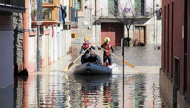 Imagen  de las inundaciones sufridas en el casco urbano de Tudela en febrero de 2015.