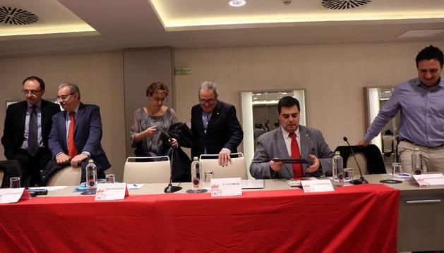 Eva Blanco, Luis Sabalza y Pedro Baile, en la asamblea de la semana pasada.