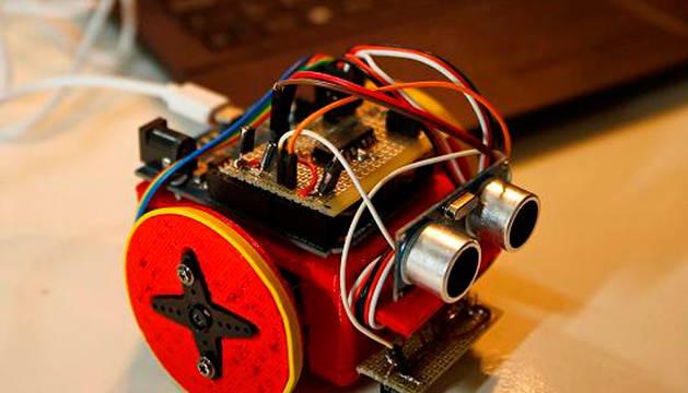 En la sesión se aprenderá a programar robots.