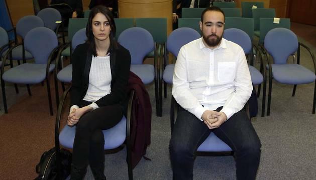 Rita Maestre y Héctor Meleiro, durante el juicio.