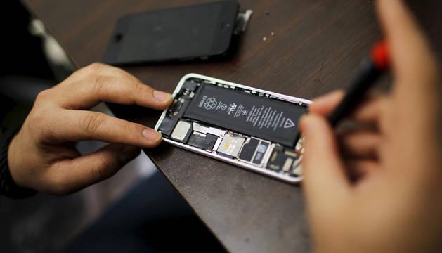 Apoyos para Apple en su decisión de no desbloquear el iPhone de un asesino