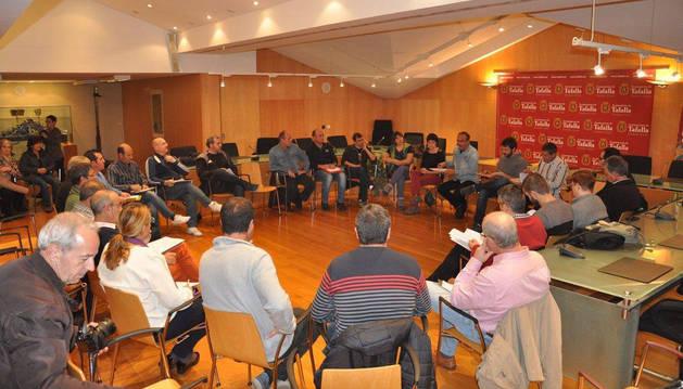 Reunión de alcaldes de la Zona Media en el salón de plenos de Tafalla.