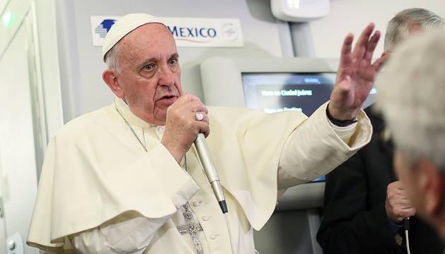 El Papa critica a Trump por su postura migratoria: «No es cristiano»