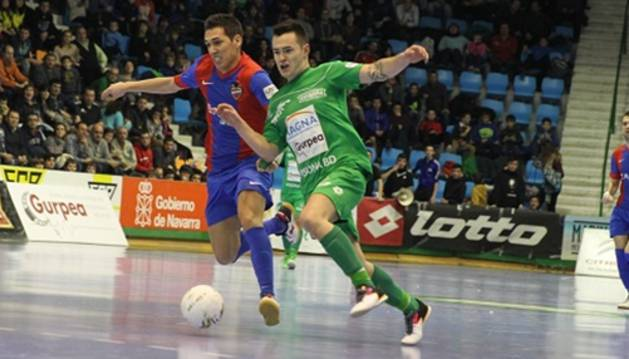 Dani Saldise, contra el Levante.