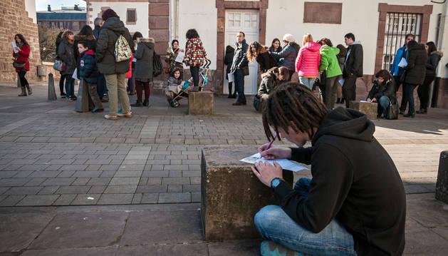 Unos 1.500 voluntarios se postulan para ser extras en 'El guardián invisible'