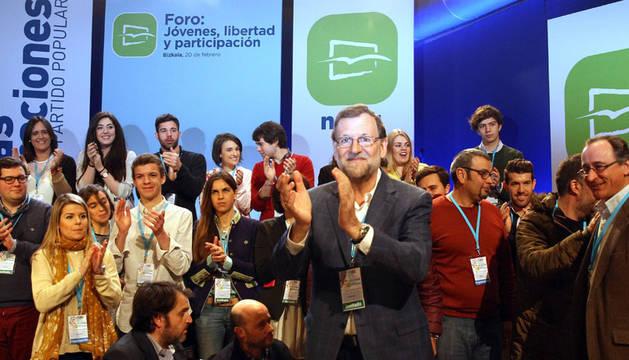 Rajoy critica la política del