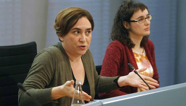 Ada Colau y la presidenta de TMB, Mercedes Vidal.