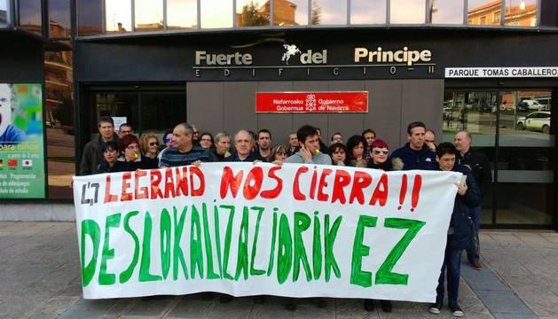 Trabajadores de Legrand tachan el traslado a Madrid de