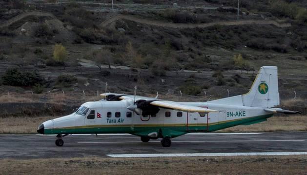 Se estrella una avioneta en Nepal con 23 tripulantes a bordo