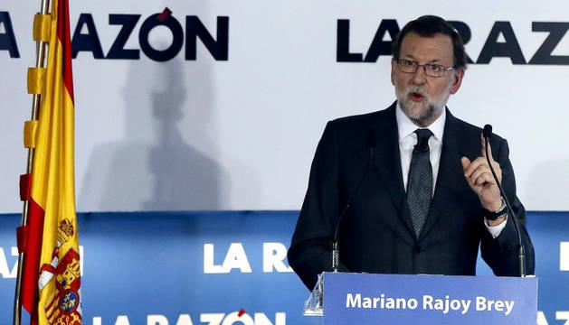 Rajoy acusa a Sánchez de protagonizar una