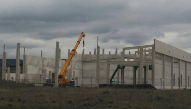 Obras del matadero que se está construyendo en el polígono Meseta de Salinas.
