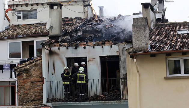 Los vecinos de la casa incendiada no podrán regresar antes de un año
