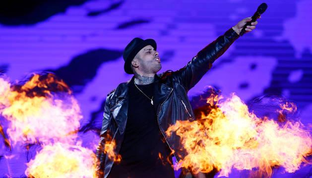 Con más reguetón y menos voz, Nicky Jam conquista Chile