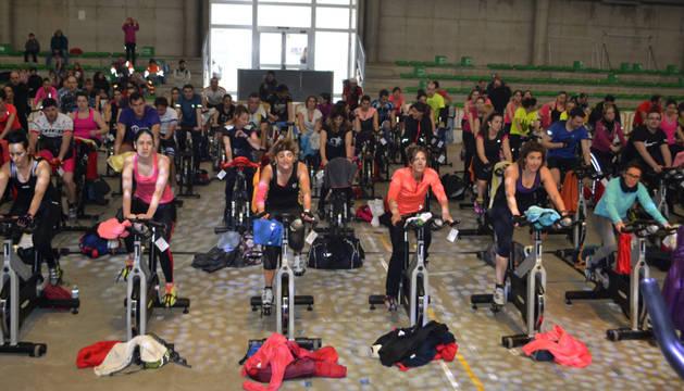 Participantes en la primera tanda del séptimo ciclo indoor, celebrado en el frontón Retegui II.