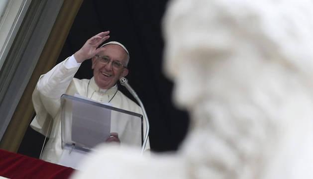 El Papa pide una