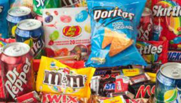 La falta de sueño aumenta el apetito por la comida poco sana