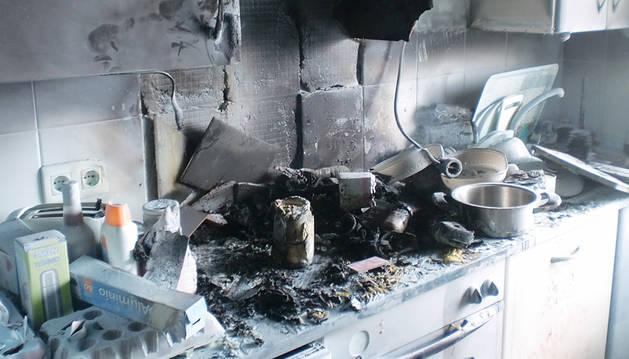 Herida leve tras incendiarse una cocina en Berriozar