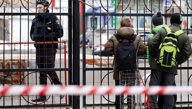 Detenida en Moscú tras pasear con la cabeza de una niña a la que decapitó