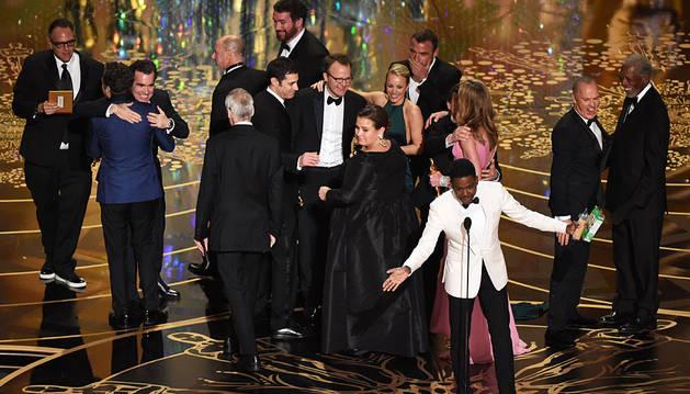 El reparto de 'Spotlight', celebrando sus dos Oscar.