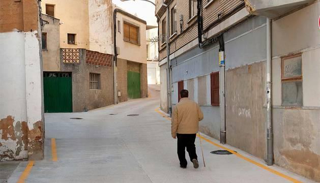 La calle Montejurra, en Andosilla, tras las obras de pavimentación.