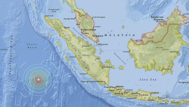 Localización exacta del seísmo registrado al suroeste de la isla de Sumatra (Indonesia).