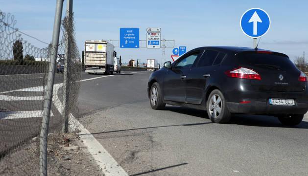 El acceso a la autovía desde el camino que cerrará el Gobierno