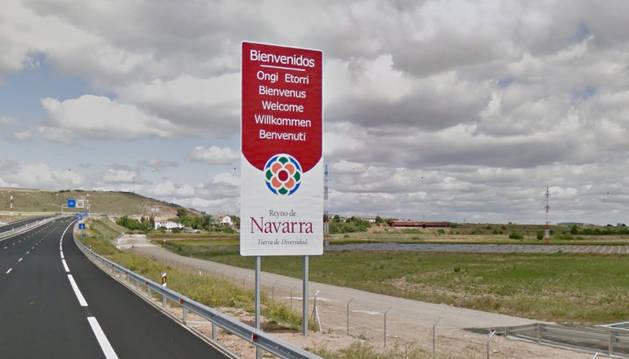 Un cartel de bienvenida a Navarra.