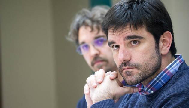 Larrarte, en primer término, junto al concejal Dani López.