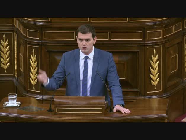 """Rivera: """"Lamento que Rajoy vote hoy con Bildu, ERC y Podemos"""""""