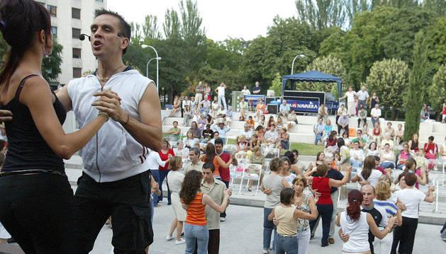 Un curso de bailes latinos.