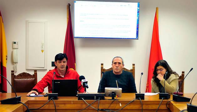 Desde la izda., Iñaki Maiora, Ángel Losa y Estela Iriarte.