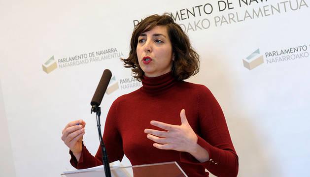 Laura Pérez, en el Parlamento foral.