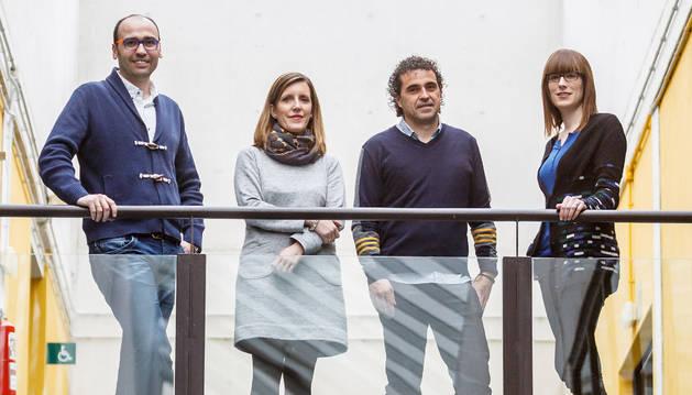 Los investigadores Luis Muga, Isabel Abínzano, Santiago Sánchez y Ana González.