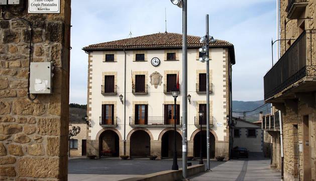 Casa consistorial de Aibar, en una imagen de archivo.