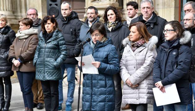 Concentración convocada por el Ayuntamiento de Pamplona.