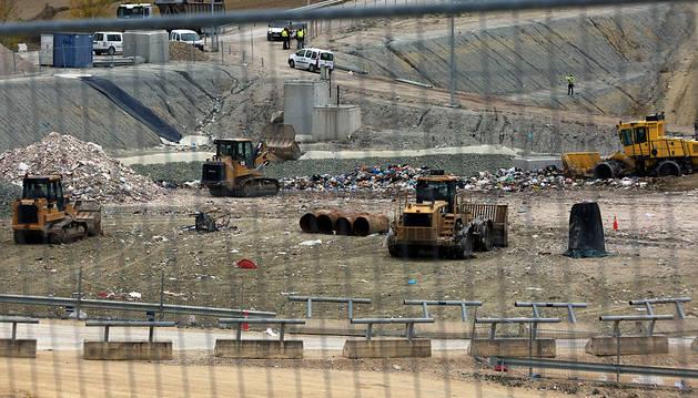 El Gobierno descarta la incineradora pero sopesa quemar basura para combustible