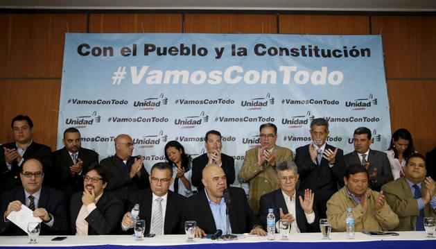 La oposición decide activar todos los mecanismos para el fin de Maduro