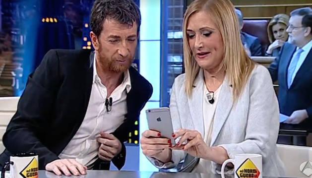 Cristina Cifuentes y Pablo Motos, en 'El Hormiguero'.