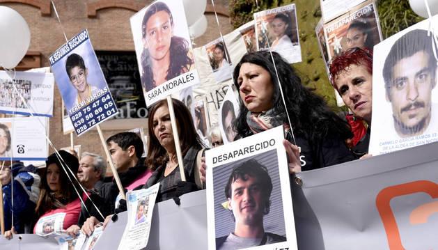 Concentración de familiares de personas desaparecidas en Madrid.