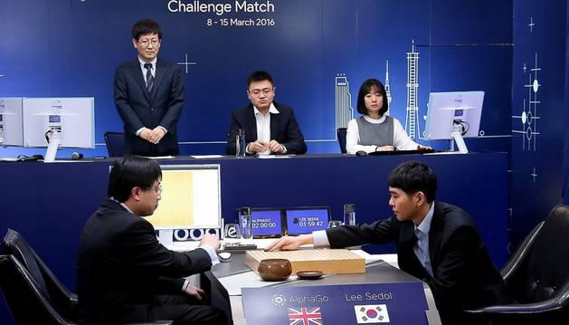El número uno mundial de 'go', Lee Se-dol, contra la inteligencia artificial de Google.
