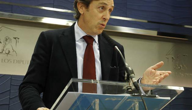 Rafael Hernando, durante su comparecencia en el Congreso.