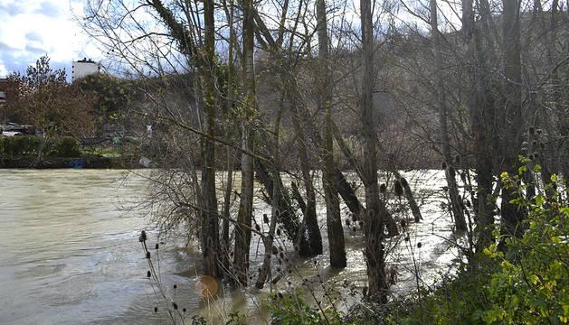 Tras la nieve, la alerta se desplaza a los riós navarros