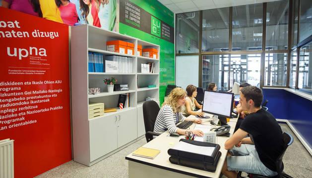 Punto de información del Laboratorio Universitario de Creación de Empresas