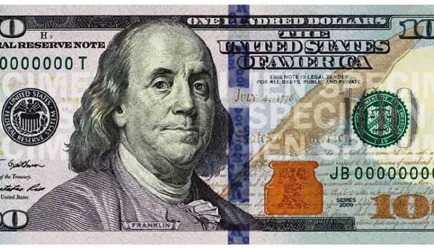 Billete de 100 dólares, uno de los de mayor circulación a nivel mundial y objeto de deseo entre los falsificadores.