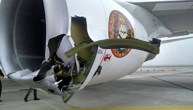 Desperfectos en el avión de Iron Maiden tras el accidente.